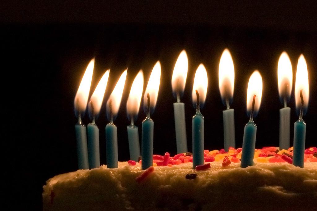 happy birthday cake 17. This raw irthday cake recipe